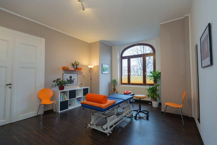 großer Behandlungsraum Physiotherapie Thiele Dresden